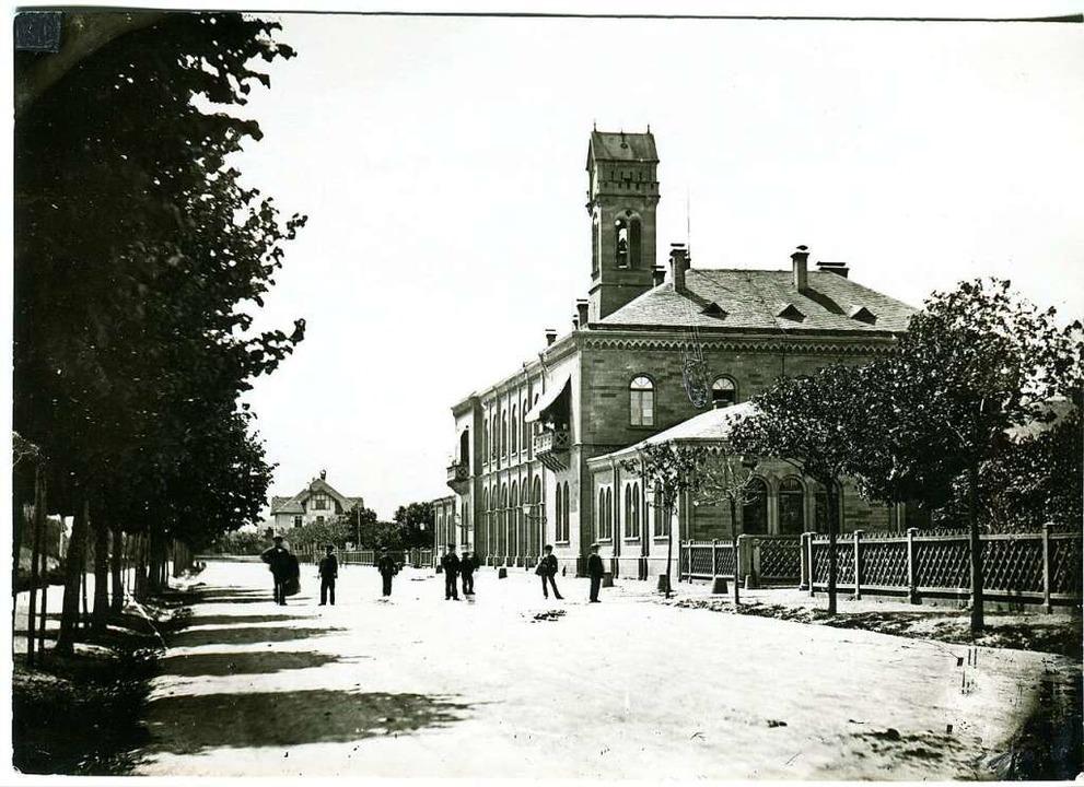Freiburgs erster Bahnhof, aufgenommen um 1860/70.  | Foto: Augustinermuseum Stadt Freiburg