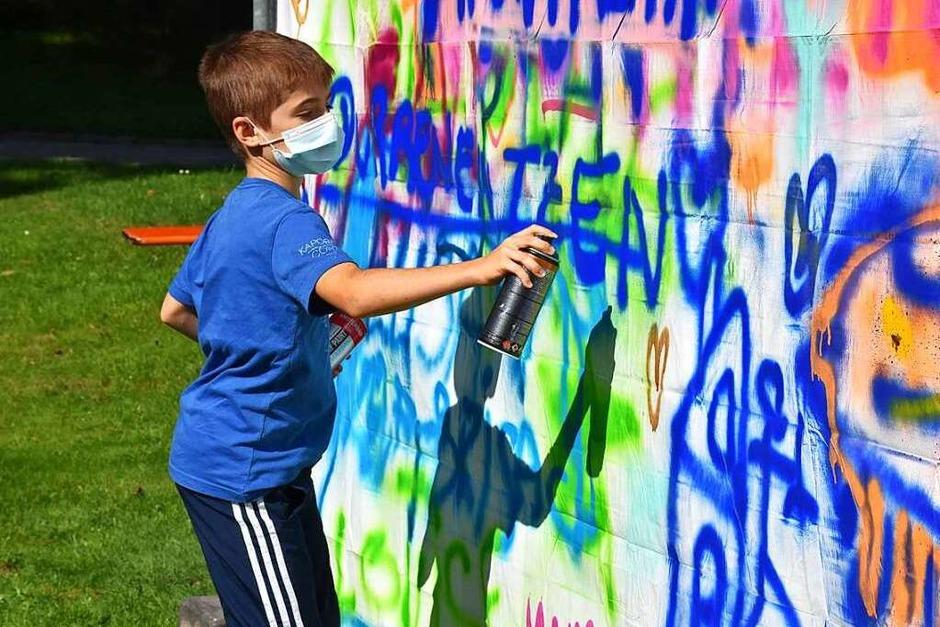 Kinder und Jugendliche durften im Kurpark sprayen und malen. (Foto: Thomas Biniossek)