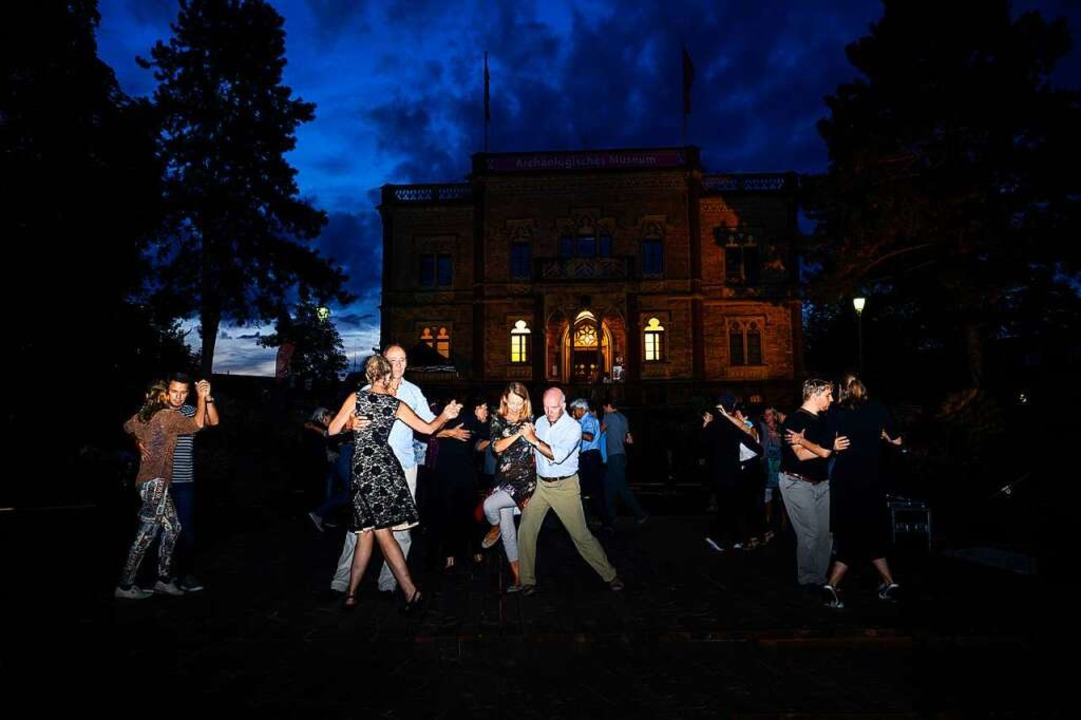 Abends wurde noch Tango getanzt.    Foto: Hermann Steigert