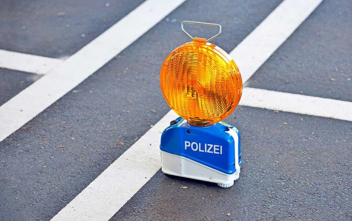 Die Polizei sucht nach einem Verkehrsunfall Zeugen (Symbolbild).  | Foto: Michael Bamberger