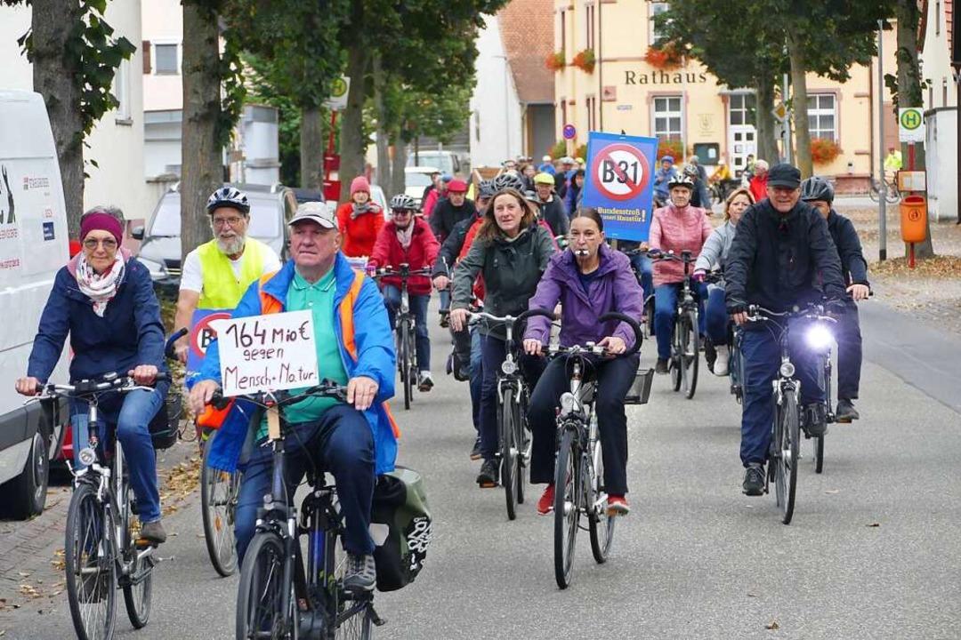 In Merdingen kamen rund 200 Radler an.    Foto: Sattelberger