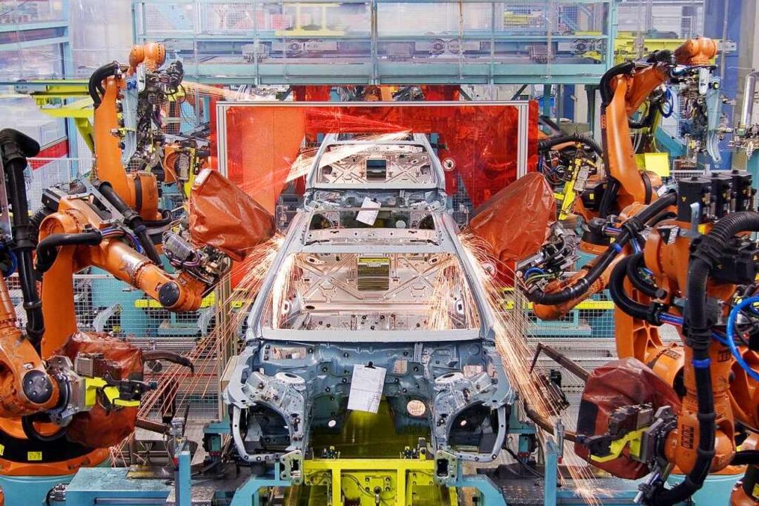 Moderne Fahrzeugproduktion: Mercedes-Benz in Sindelfingen    Foto: Daimler AG