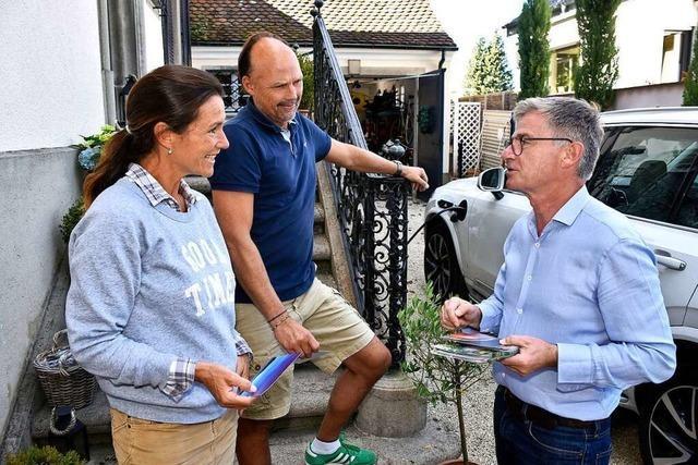 Der Freiburger CDU-Kandidat Matern von Marschall beim Klinkenputzen