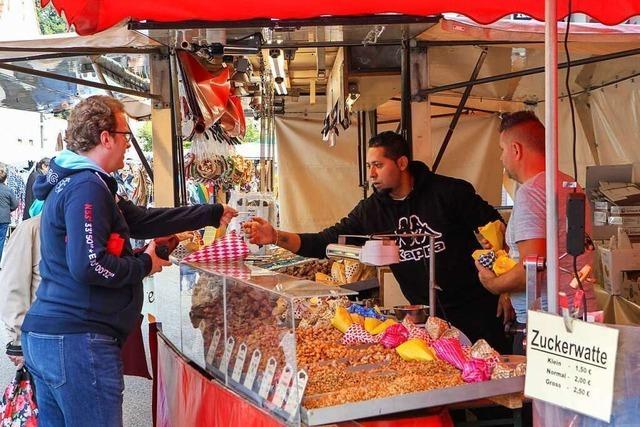 Rund 60 Händler boten beim Jahrmarkt in Eichstetten ihre Waren an