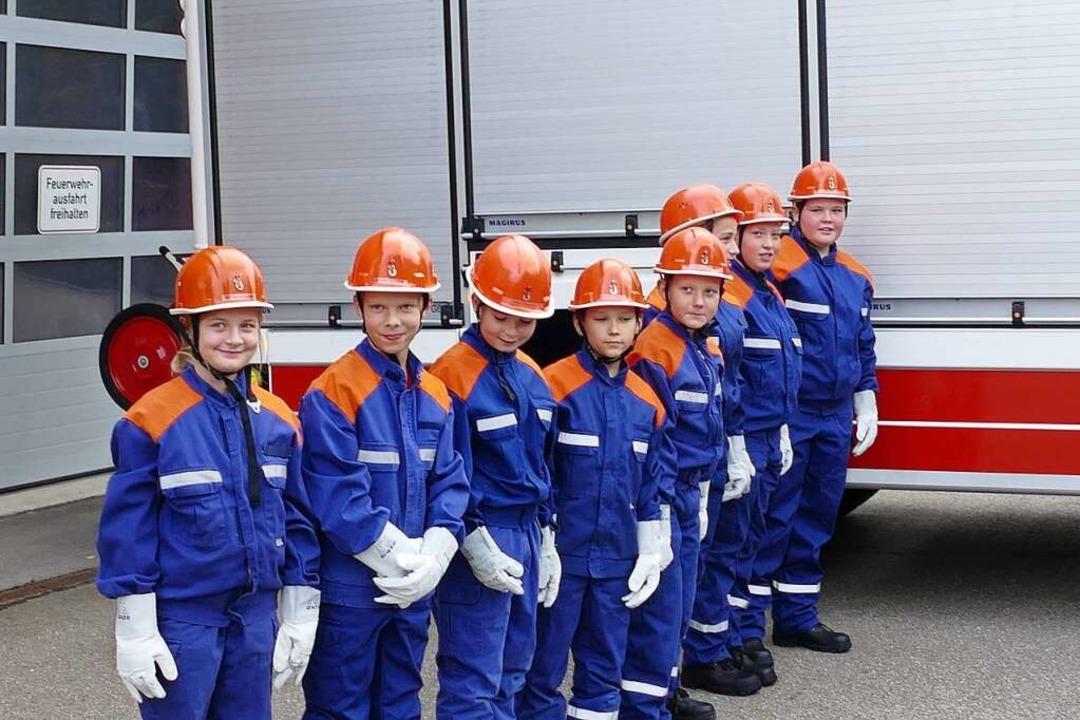 Die acht neuen Mitglieder der Jugendfeuerwehr Löffingen.  | Foto: Martin Wunderle