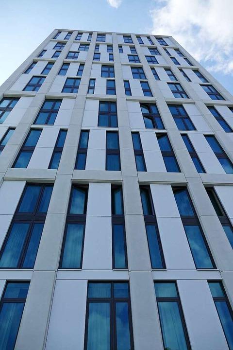 Das Hotel Stadt Lörrach hat unter neuer Leitung wieder geöffnet.  | Foto: Peter Gerigk