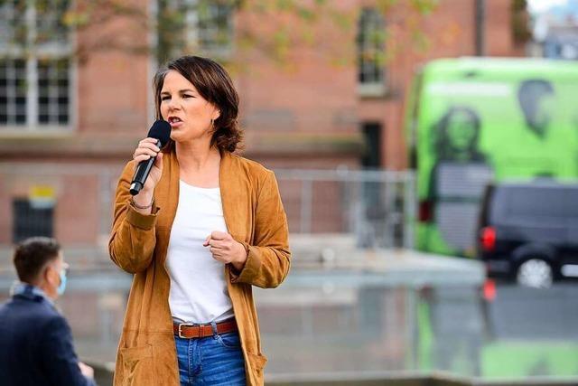 Annalena Baerbock gibt sich bei ihrem Auftritt in Freiburg kämpferisch