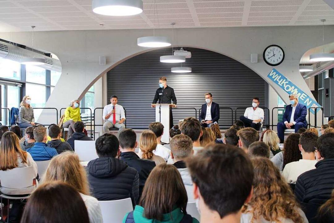 Sich an die vorgegebene Redezeit zu halten, fiel einigen Kandidierenden schwer.    Foto: Annika Sindlinger