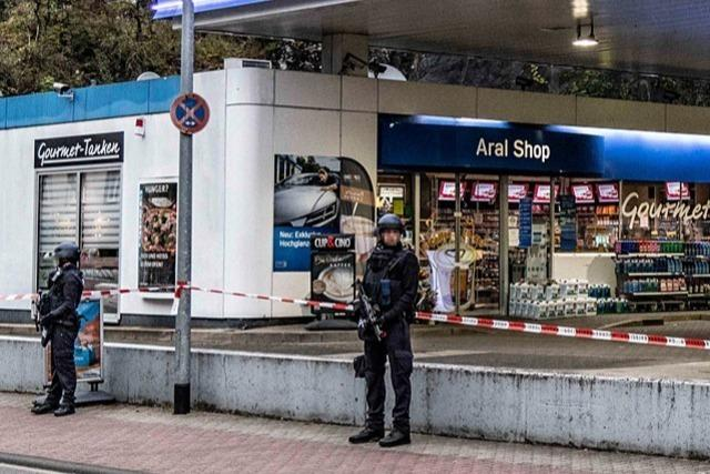 Tötung an Tankstelle: Online- Aktivitäten des Täters im Blick
