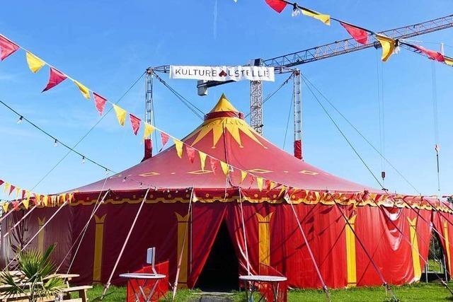 Im Zelt der Kulturbaustelle hat nicht nur die Kunst wieder eine Bühne gefunden