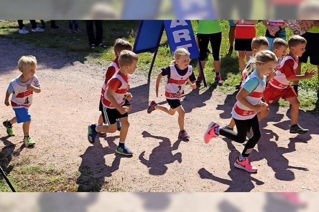 Kinder flitzen um die Wette