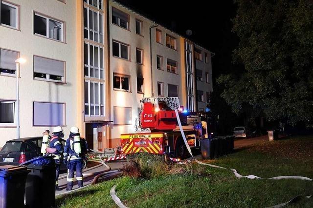 Wohnung in der Hindenburgstraße 27 brennt am frühen Morgen aus