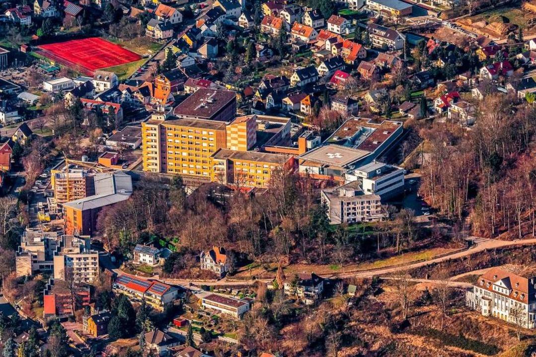 Das Ortenau-Klinikum in Lahr soll  ein... Es gibt aber Zweifel, ob es so kommt.  | Foto: Martin Bildstein copyright