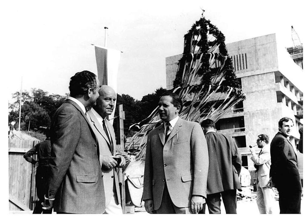 1969 wurde Richtfest für den Neubau des Klinikums gefeiert.  | Foto: privat