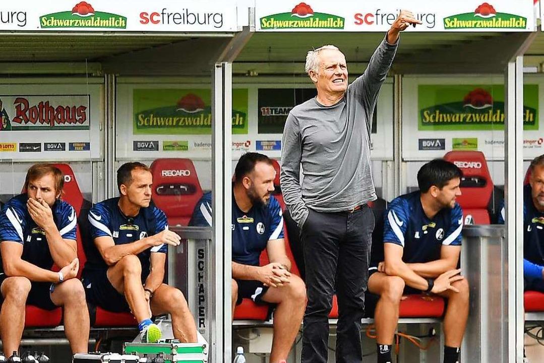 Christian Streich coacht gegen den FC ...urg zum letzten Mal im Dreisamstadion.    Foto: Achim Keller