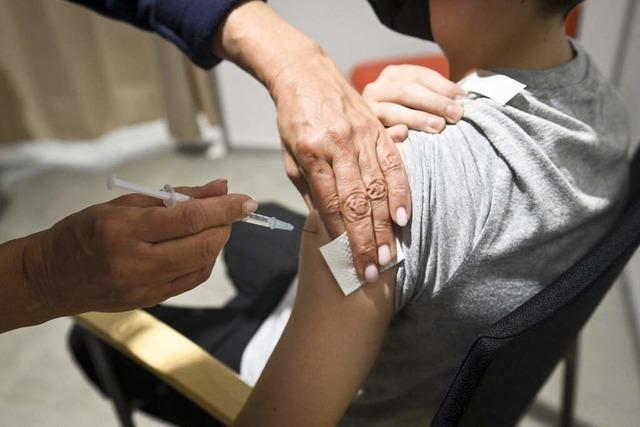 Corona-Newsblog: 7211 Neuinfektionen - Inzidenz sinkt auf 60,6