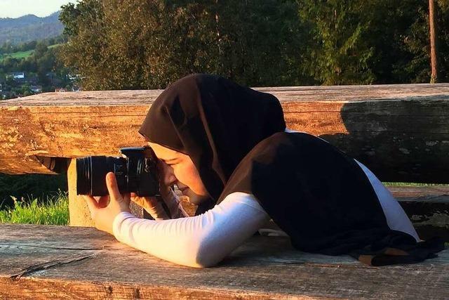 Wie fünf junge Syrerinnen ihre neue Heimat eingefangen haben