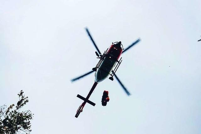 Mountainbikerin stürzt in Glottertal einen Abhang hinunter