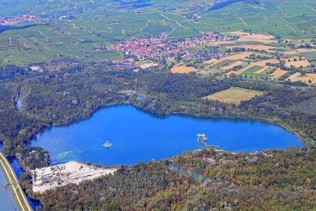 Baden und bauen am Burkheimer Baggersee