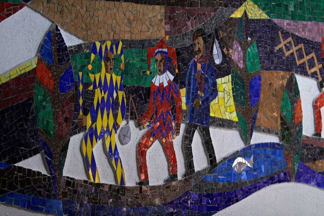 Auf einem Mosaik im Weinoldschen Haus ...enzingen zu sehen – und die Elz.    Foto: Patrik Müller