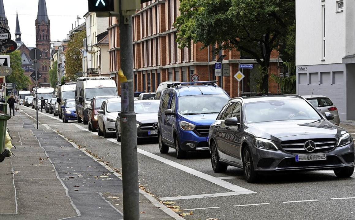 Die Autos waren nicht weg, nur woanders: nämlich in der Talstraße.    Foto: Rita Eggstein