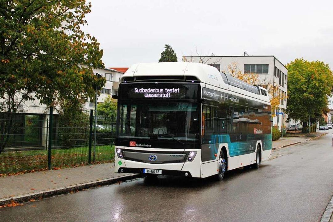 Im Testbetrieb sammelt Südbadenbus in ...mittels Wasserstoff angetriebenen Bus.  | Foto: Rolf Reißmann