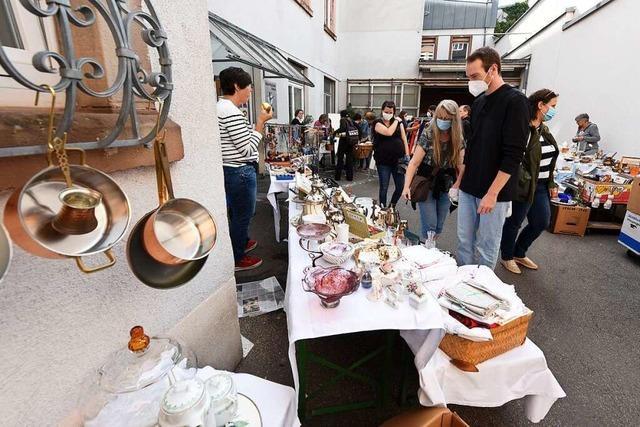 Der Trend zu Quartiersflohmärkten hat auch Freiburgs Sedanviertel erreicht