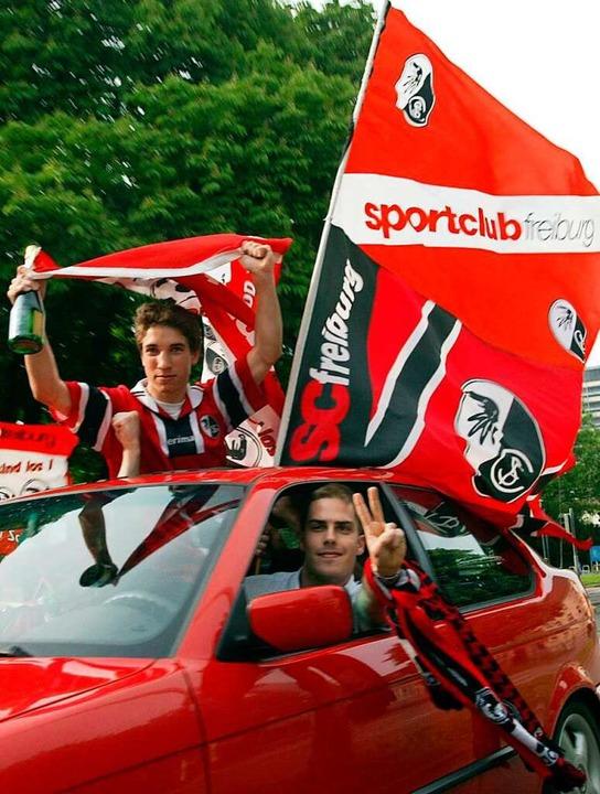 SC-Fans feiern den Aufstieg 2003.  | Foto: Patrick_Seeger
