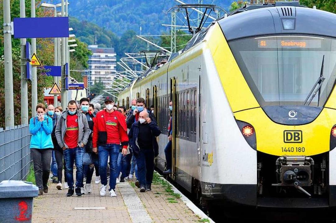 Auch mit der S-Bahn war die Anreise möglich.  | Foto: Ingo Schneider