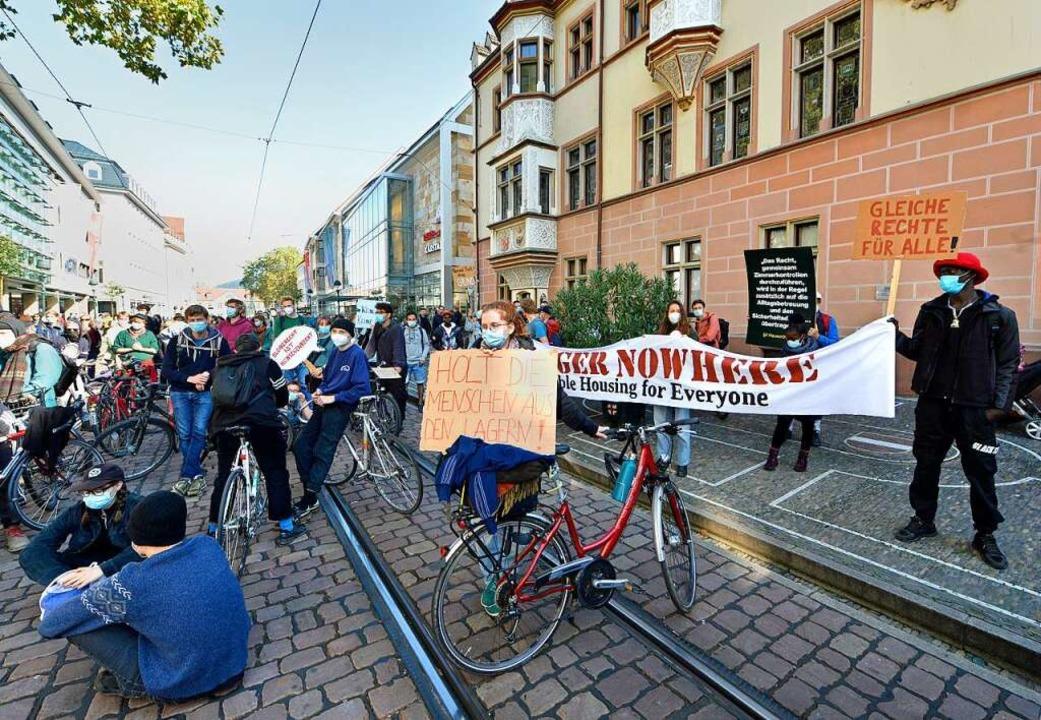 """""""Wohnungen für Alle"""" forderten die Demonstrierenden    Foto: Michael Bamberger"""