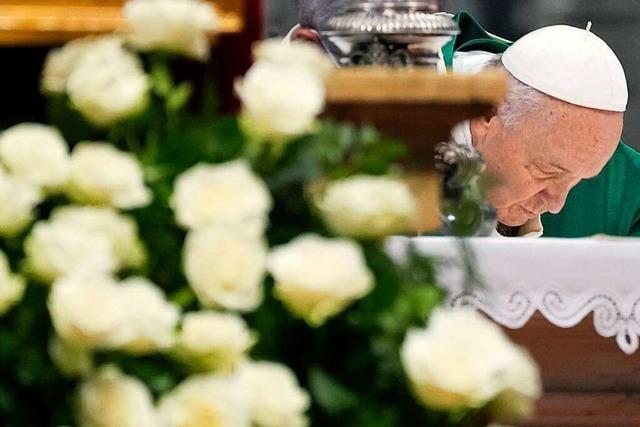 Papst Franziskus will katholische Kirche trotz Widerstände reformieren
