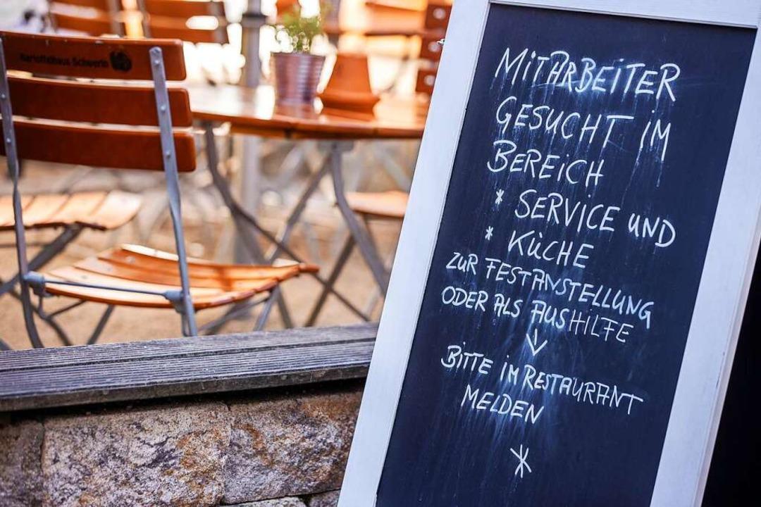 Personalnot herrscht in Lahr wie im ga...n Restaurants, Gaststätten und Hotels.  | Foto: Jens Büttner (dpa)