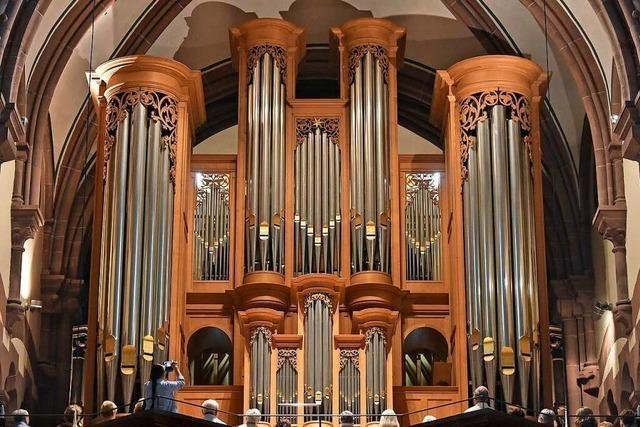 Daniel Maurer und Dieter Hubov spielten an der Metzler-Orgel der Freiburger Johanneskirche