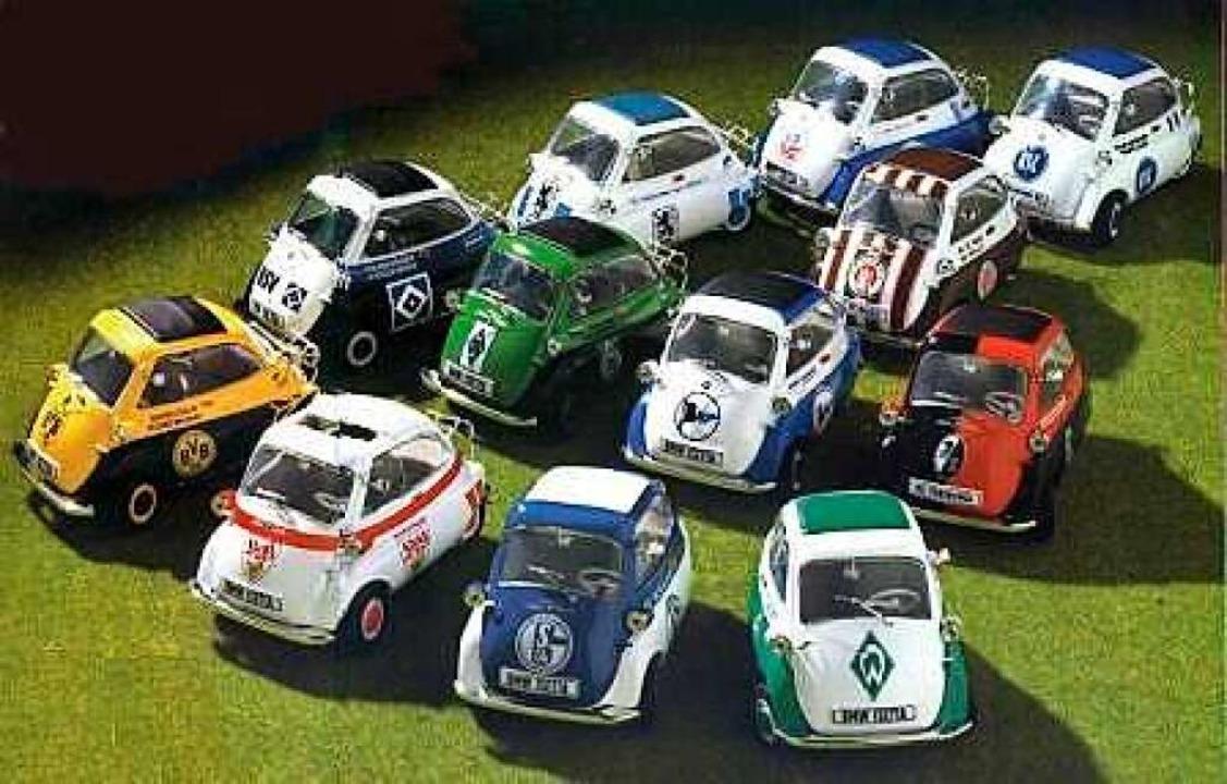 Isetta-Miniaturen waren das Vorbild für die Aktion von Matthias Riester.  | Foto: Matthias Riester