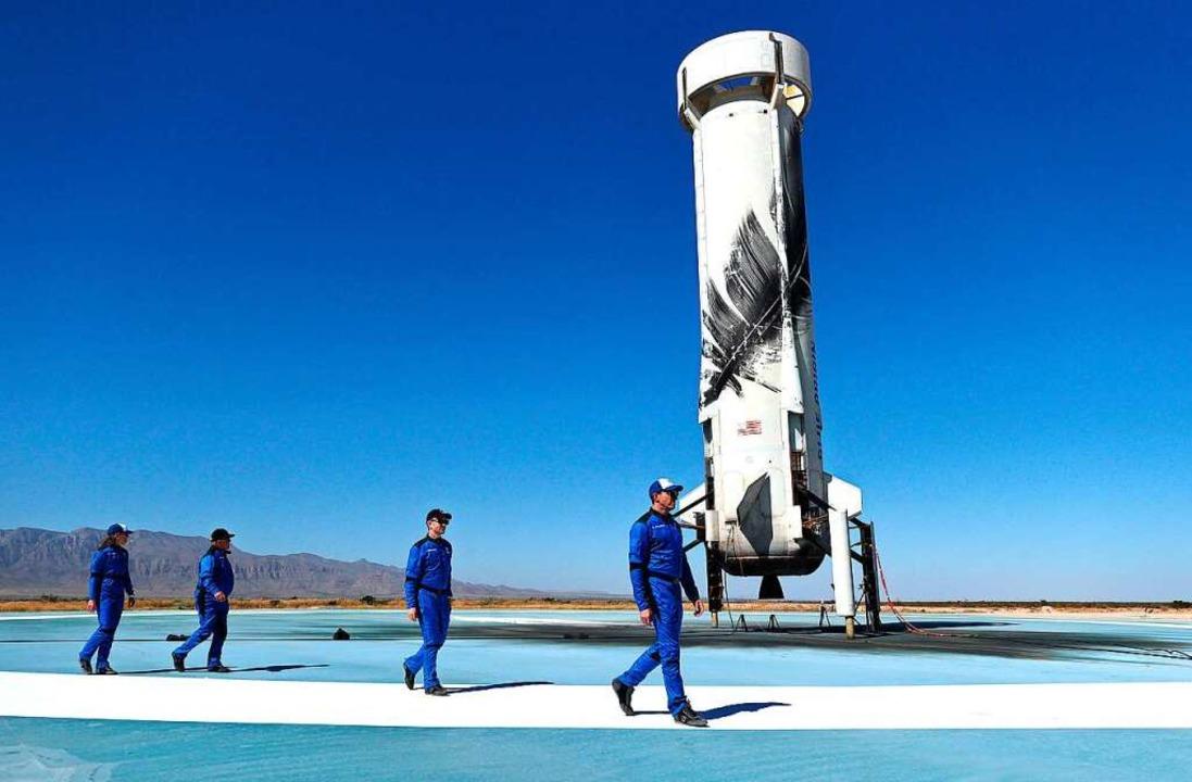 Shatner und seine Crew    Foto: MARIO TAMA (AFP)