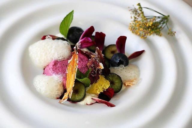 Im Hotel-Restaurant Luise in Badenweiler gibt's raffinierte Variationen garniert mit essbaren Blüten