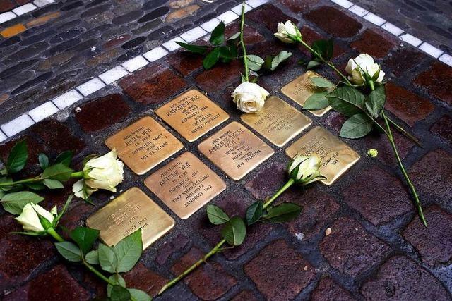 Neue Stolpersteine an acht Orten in Freiburg