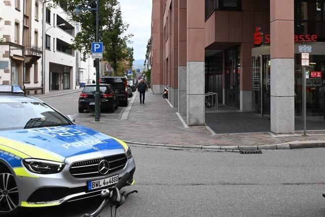 Lörracher Banküberfall: Polizei war schnell vor Ort, trifft Täter aber nicht mehr an
