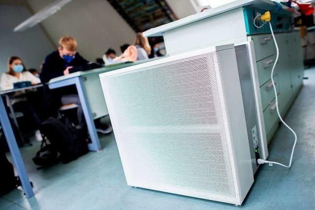 Wie wirksam sind mobile Luftfilter an Schulen? Forscher sind sich uneins