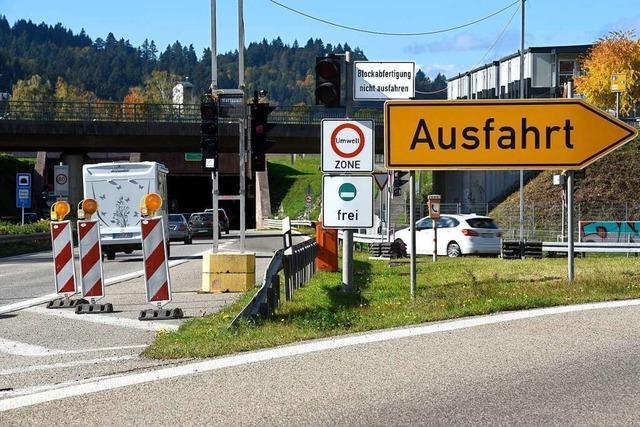Pförtnerampel vor B31-Tunnel führt zu Ausweichverkehr durch Freiburgs Osten