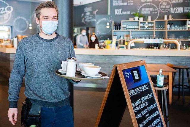 Am Donnerstag fällt die Maskenpflicht für geimpfte Beschäftigte und Gäste im 2G-Modell