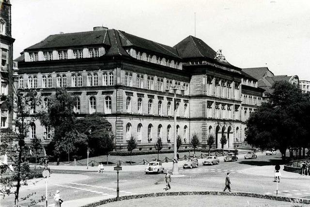Das Rotteckgymnasium musste einst der Beton-Bibliothek der Uni weichen